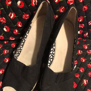 Ladies TOMS Black Espadrilles